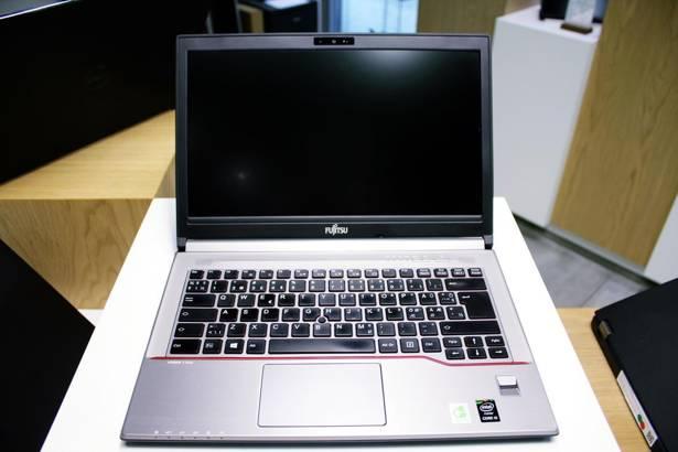 FUJITSU E744 i5-4300M 8GB 240GB SSD HD+ WIN 10 PRO